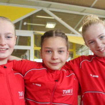 Drei DJK-Turnerinnen beim Deutschland-Cup in Ansbach